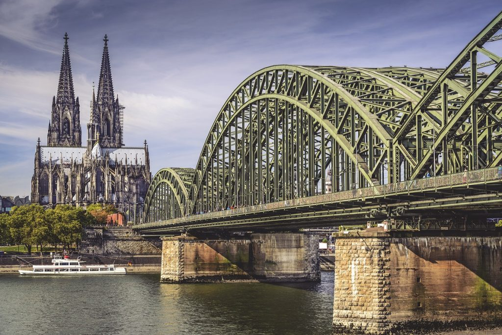 se1-cologne-cathedral-205512403-ss